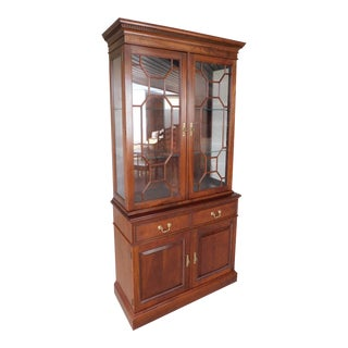 Stickley Cherry Valley Chippendale Style Lighted Cabinet 40w For Sale
