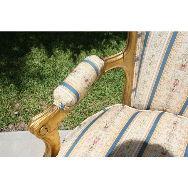 Early 20th Century French Louis XV Style Giltwood Settee - Image 8 of 11