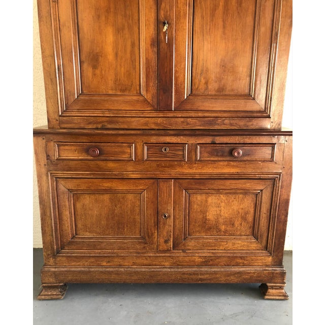 French 19th Century Walnut Deux Corps Buffet Cabinet For Sale - Image 4 of 13