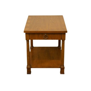 20th Century Traditional Henredon Banded Mahogany End Table For Sale