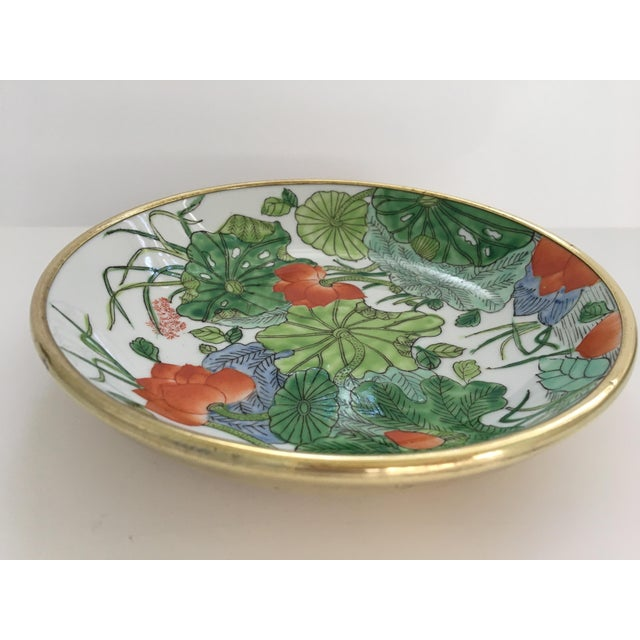 Chinoiserie Floral Hand Painted Porcelain Brass Encased Bowl/Catchall - Made in Japan For Sale - Image 4 of 12