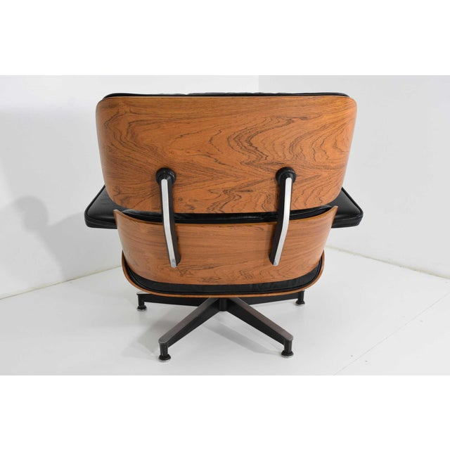 Eames 670 Lounge Chair & 671 Ottoman in Rosewood by Herman Miller For Sale In Dallas - Image 6 of 10