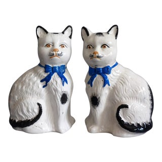 Antique English Staffordshire Cats, Pair For Sale