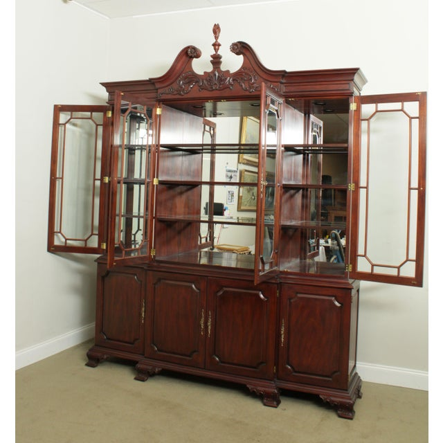 Chippendale Henkel Harris Large Chippendale Style Mahogany Beveled Glass Breakfront China Cabinet #2382 For Sale - Image 3 of 12