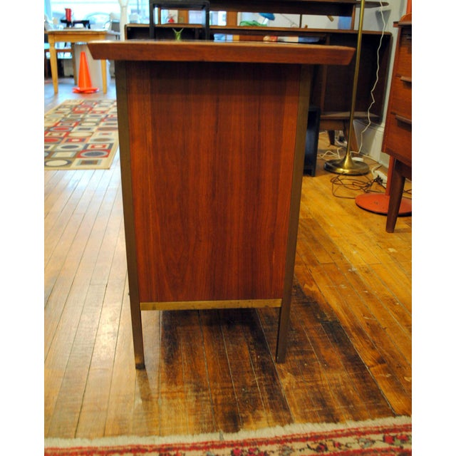 Small Mid-Century Walnut & Brass Bar - Image 4 of 8