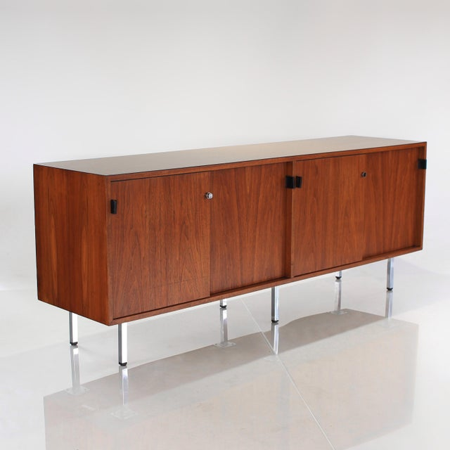 1960s 1960s Florence Knoll Walnut Credenza Sideboard For Sale - Image 5 of 13