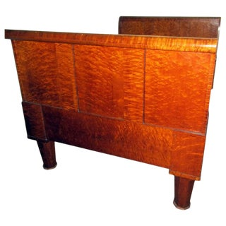 19th Century American Bird's-Eye and Tiger Maple Sleigh Bedframe For Sale