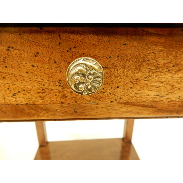 Early 19th Century Early 19th Provincial Walnut Side Table For Sale - Image 5 of 7