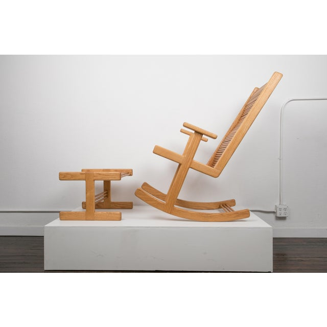 Modern 1980s Stephen Hynson Oak Dowel Rocking Chair and Ottoman For Sale - Image 3 of 9
