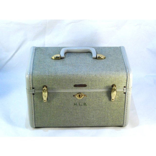 1970s Samsonite 5412 Train Suitcase, Grey Tweed For Sale - Image 9 of 10