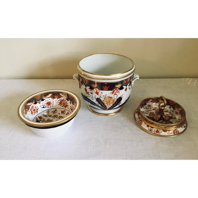 Stunning late 18th/early 19th century Spode fruit cooler with rare decorated liner in the famous 967 pattern. Liner has...