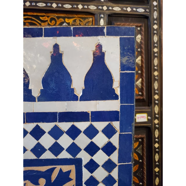 Marrakech 2-Tone Moroccan Mosaic Fountain For Sale - Image 4 of 7
