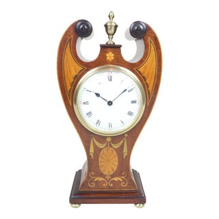Early 20th Century English Edwardian Mantel Clock W/ Broken Pediment For Sale