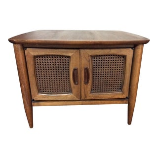1960s Mid Century Modern Lane Furniture Walnut Side Table