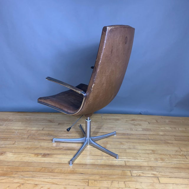 "Walter Knoll Fabricius & Kastholm ""Logos"" Leather Swivel Chair, 1970s For Sale - Image 4 of 12"