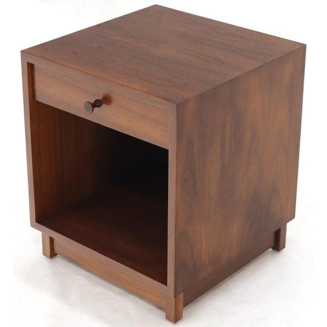 Paul McCobb Pair of Cube Shape Oiled Walnut One Drawer Mid-Century Modern End Tables Stands For Sale - Image 4 of 13