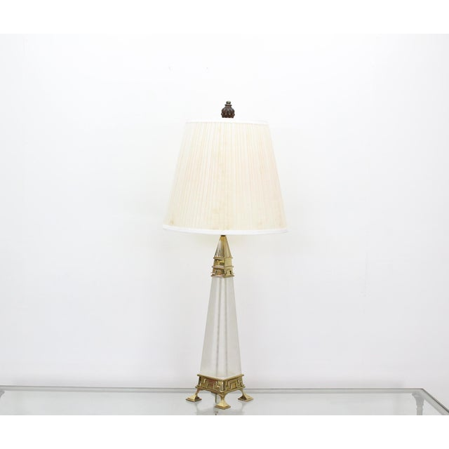 Mid-Century Lucite & Brass Table Lamp For Sale In Miami - Image 6 of 6