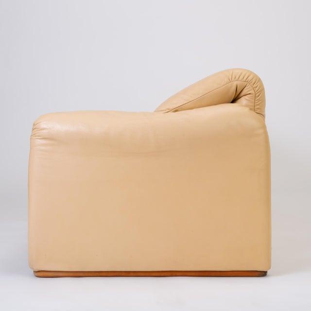 "Animal Skin Leather ""Maralunga"" Sofa by Vico Magistretti for Cassina For Sale - Image 7 of 12"