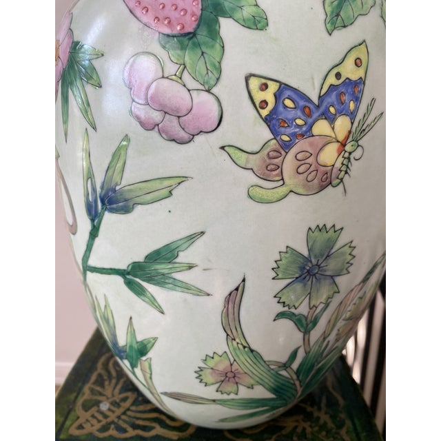 Asian Lided Chinoiserie Strawberry and Butterfly Ginger Jar For Sale - Image 3 of 13