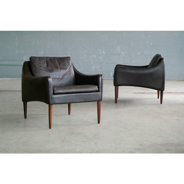 Hans Olsen Pair of Danish Lounge Chairs in Brown Leather and Rosewood Legs For Sale - Image 13 of 13