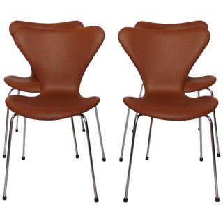 1960s Scandinavian Modern Arne Jacobsen and Fritz Hansen Dining Chairs - Set of 4 For Sale