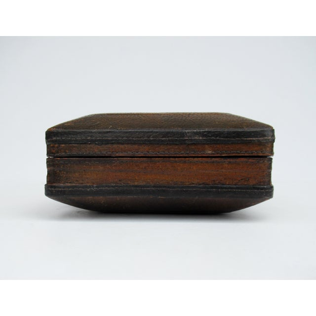 Vintage Italian Tooled Leather Gentlemen's Traveling Hand-Held, Lidded Valet Box For Sale In West Palm - Image 6 of 13
