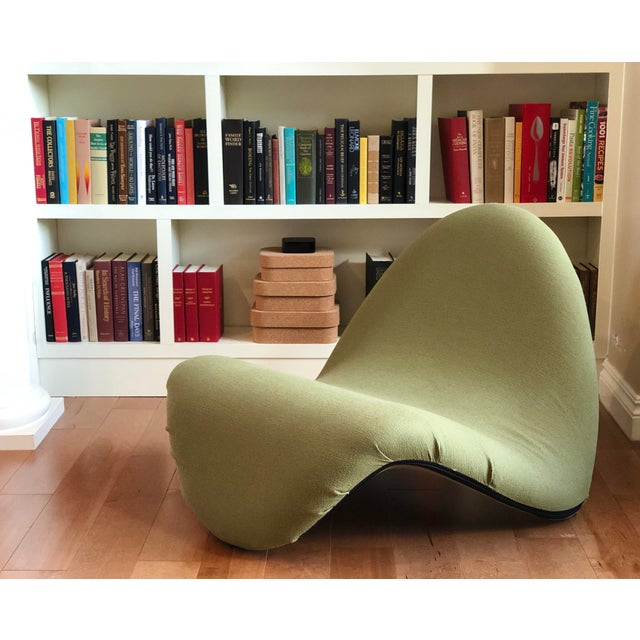 Pierre Paulin for Artifort Green and Blue Tongue Chairs For Sale - Image 9 of 12