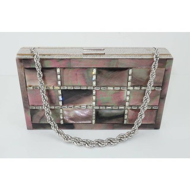 Evans Mother of Pearl Compact Wristlet Handbag, 1950s For Sale In Atlanta - Image 6 of 11