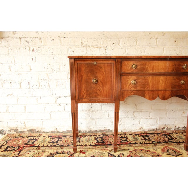 Federal Style Flame Mahogany Sideboard - Image 9 of 11
