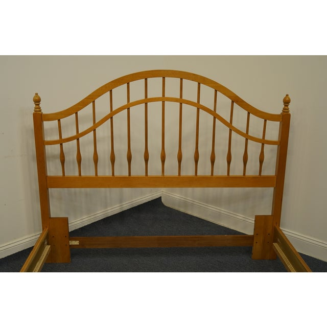 Thomasville Vintage Thomasville Furniture Solid Knotty Pine Queen Size Spindle Bed For Sale - Image 4 of 10