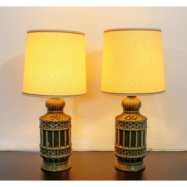 Mid Century Modern Small Pair of Ceramic Table Lamps 1960s Green Original Shades For Sale In Detroit - Image 6 of 6