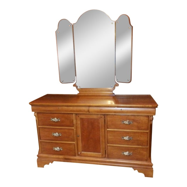 20th Century American Classical Betsy Cameron for Lexington Chest of Drawers For Sale