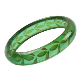 Bakelite Bangle Bracelet Reverse Carved Transparent Emerald Green Prystal For Sale