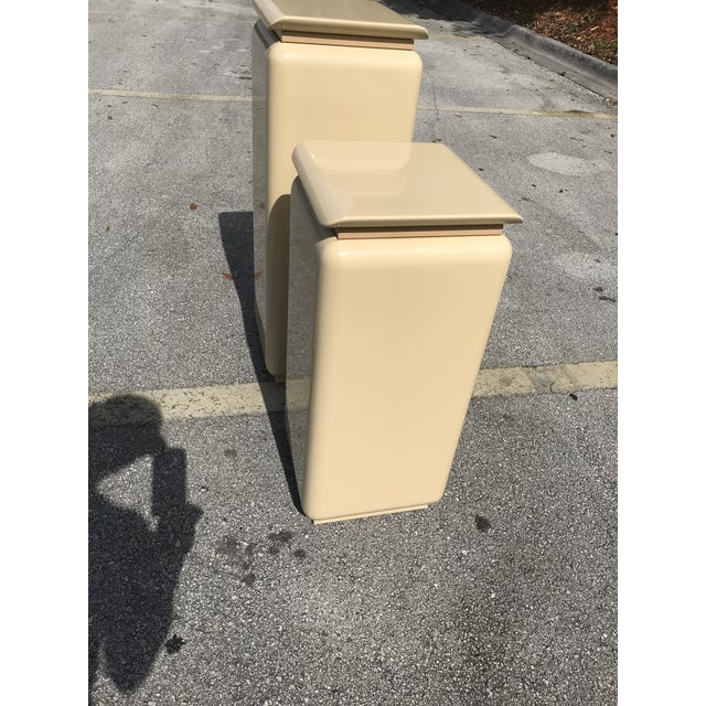 Tan Mid Century Modern Rougie Pedestals- a Pair For Sale - Image 8 of 9
