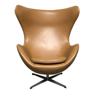 Mid-Century Modern Arne Jacobson for Fritz Hansen 'Egg' Chair For Sale