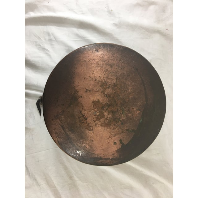 Late 19th Century 19th Century French Copper Medium Cauldron With Wrought Iron Handle For Sale - Image 5 of 7