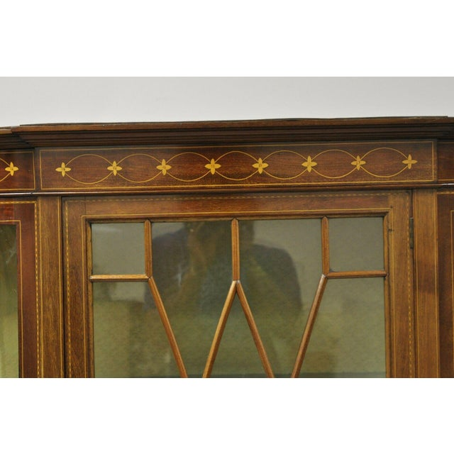 English Edwardian Satinwood Inlay Bowed Curved Glass China Display Cabinet Curio For Sale - Image 4 of 13