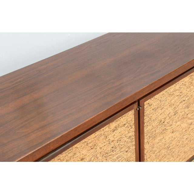 Italian Modern Mahogany and Cork Four-Door Credenza or Buffet For Sale In Miami - Image 6 of 9