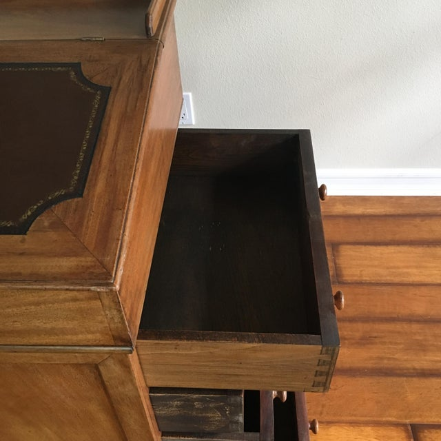 Antique British Colonial Davenport/Captain's Desk For Sale In Los Angeles - Image 6 of 10