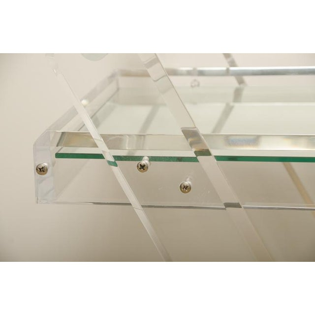 1970s Mid-Century Lucite Tea Cart with Two Mirrored Shelves For Sale - Image 5 of 8