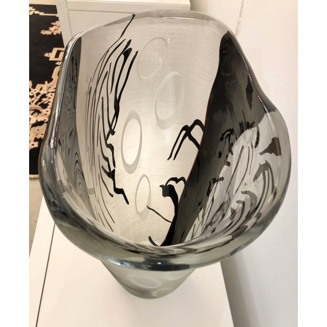 Contemporary Modern Black White and Crystal Clear Murano Glass Sculptural Vase For Sale - Image 12 of 13