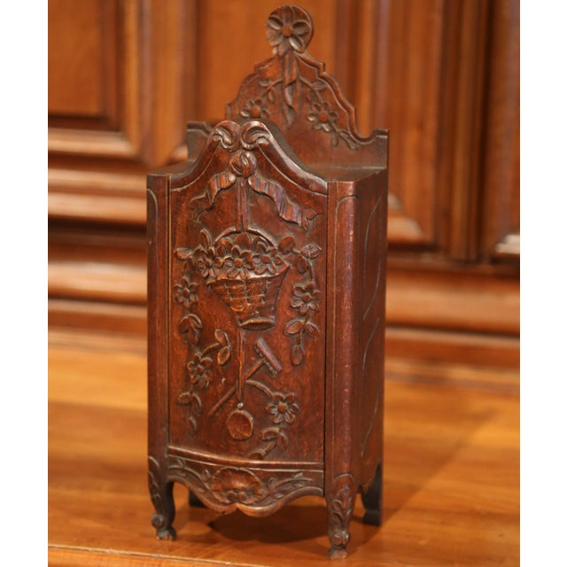 Brown Early 20th Century French Hand-Carved Walnut Bombe Flour Box from Provence For Sale - Image 8 of 8