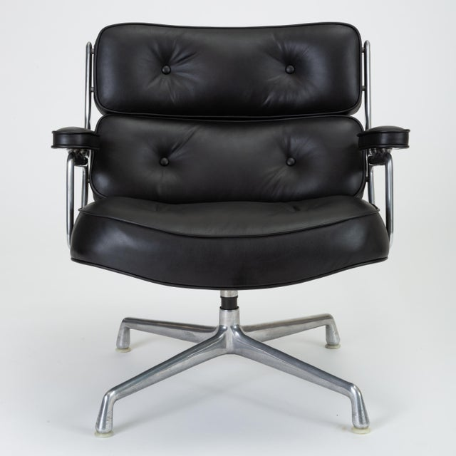 Designed in 1960 by Charles and Ray Eames for the Time Life Building in Manhattan, these chairs feature a polished...