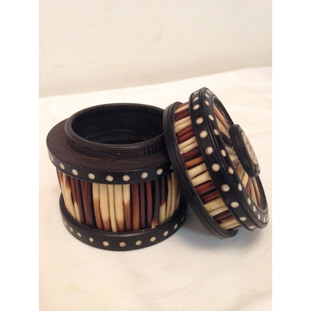 Anglo Indian inspired porcupine quill and ebony cylindrical box. The piece is from the early 20th century.