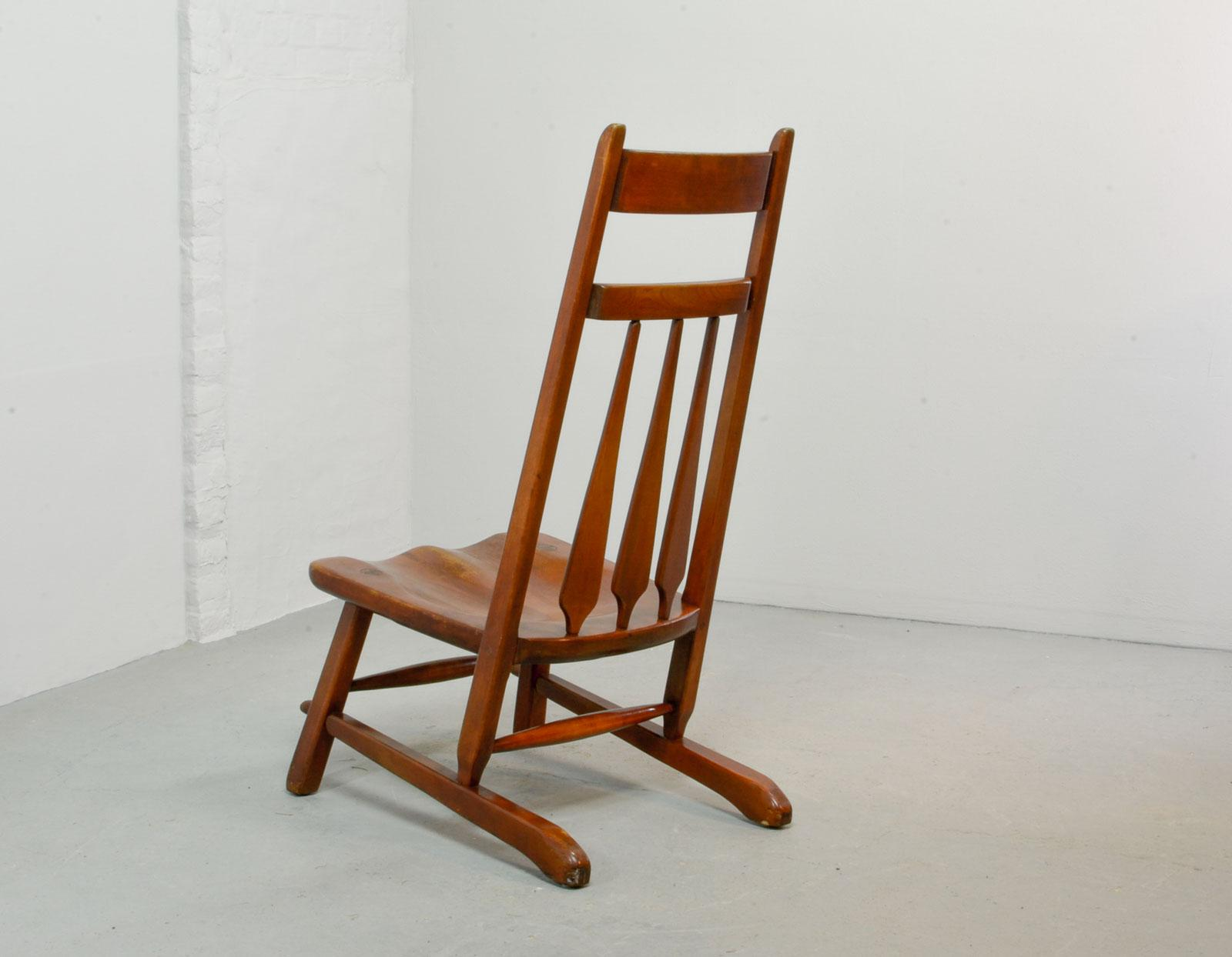 Early 20th Century Design Solid Maplewood Spindleback Side Lounge Chair By  Herman De Vries For