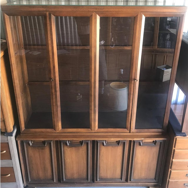 Mid Century Modern Hutch / China Cabinet For Sale - Image 10 of 13