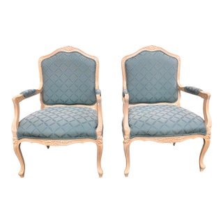 French Provincial Chairs by Pennsylvania House - a Pair For Sale