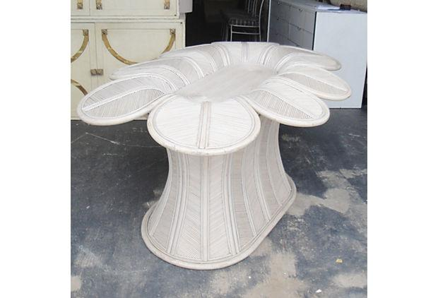 Flower Shaped Rattan Dining Table Base   Image 4 Of 8