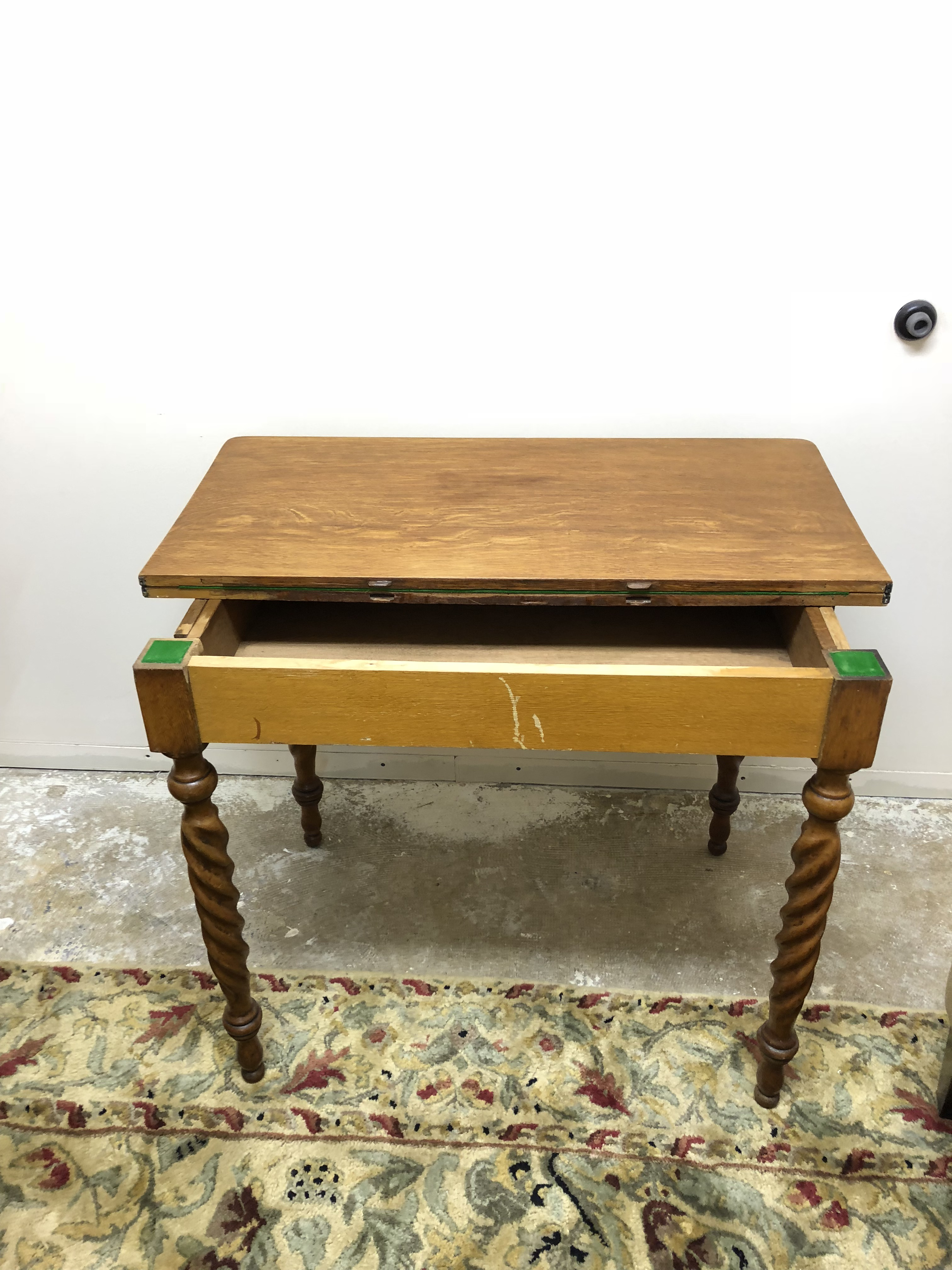 Vintage Flip Top Game Table With Tobacco Twist Legs For Sale   Image 4 Of 10