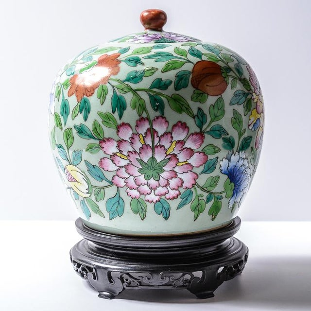 Beautiful pair of Kien-Loung(1736-1796) covered jars. Stands are included